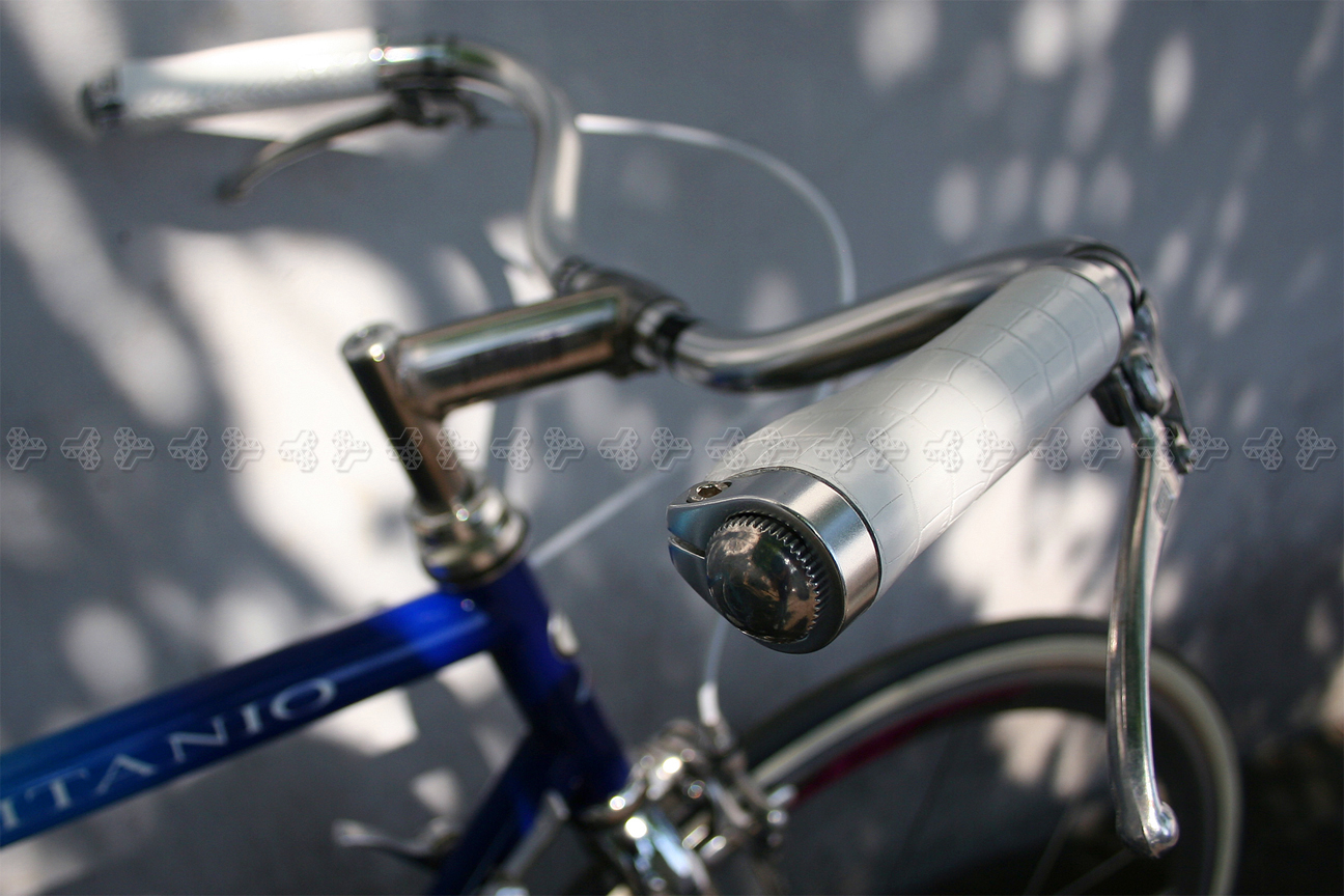 sobdeall Leather Bicycle Grips